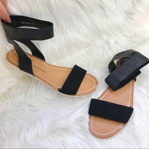 NWOT Chinese Laundry Lighten Up Ankle strap sandal